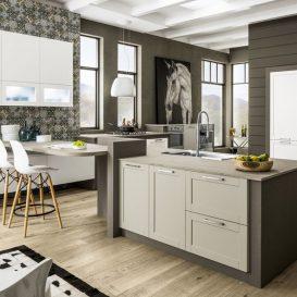 Cucina Moderna su più pareti con penisola 02